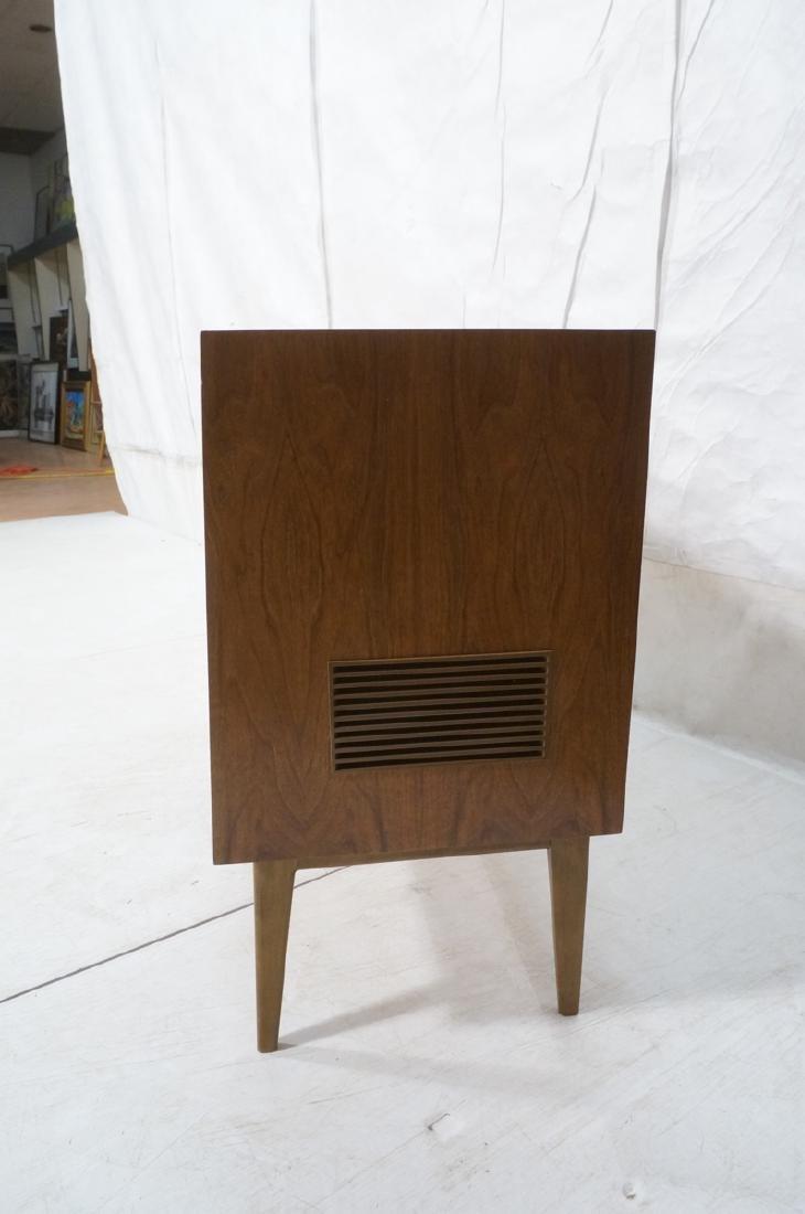 ***GRUNDIG Modern Walnut Case Stereo Cabinet. Bev - 10