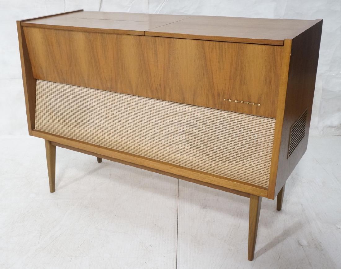 ***GRUNDIG Modern Walnut Case Stereo Cabinet. Bev