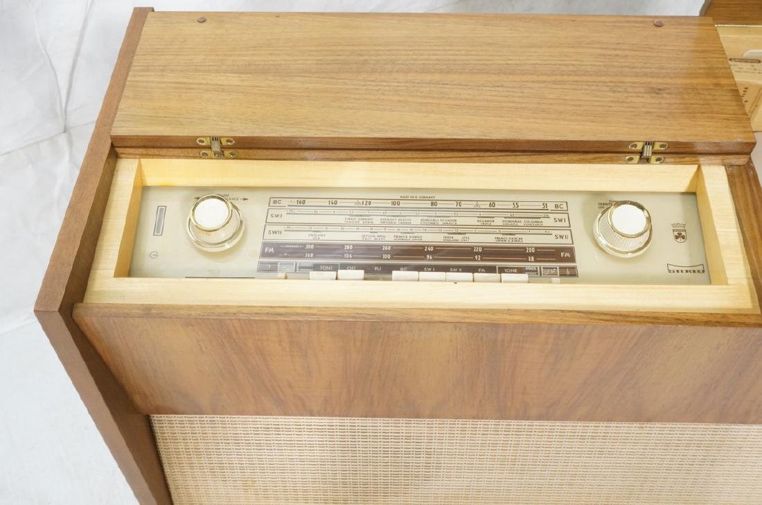 ***GRUNDIG Modern Walnut Case Stereo Cabinet. Bev - 3