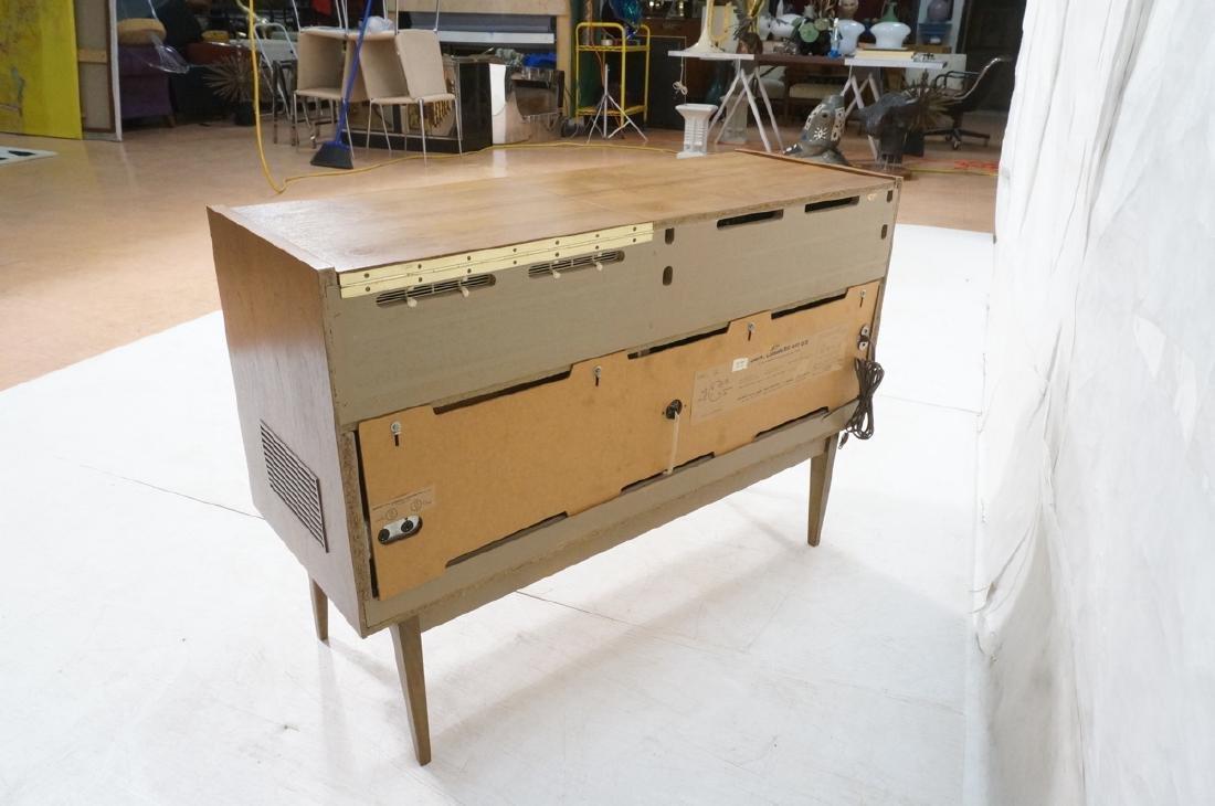 ***GRUNDIG Modern Walnut Case Stereo Cabinet. Bev - 7