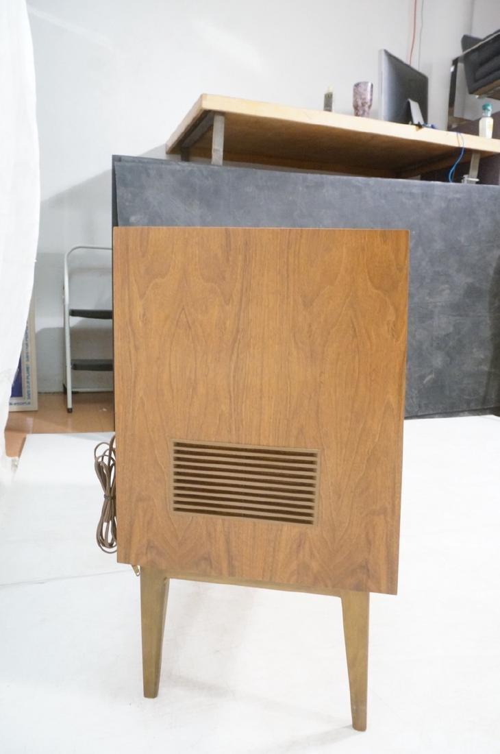 ***GRUNDIG Modern Walnut Case Stereo Cabinet. Bev - 8