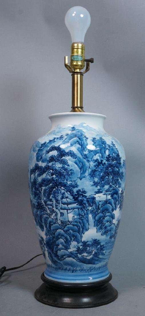 White Porcelain Chinese Urn Table Lamp. Blue pain