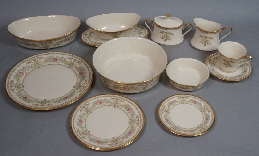 83pc LENOX Castle Garden China Dinnerware. Servic