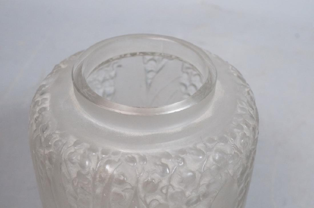 RENE LALIQUE French Crystal Vase. Clear frosted g - 3