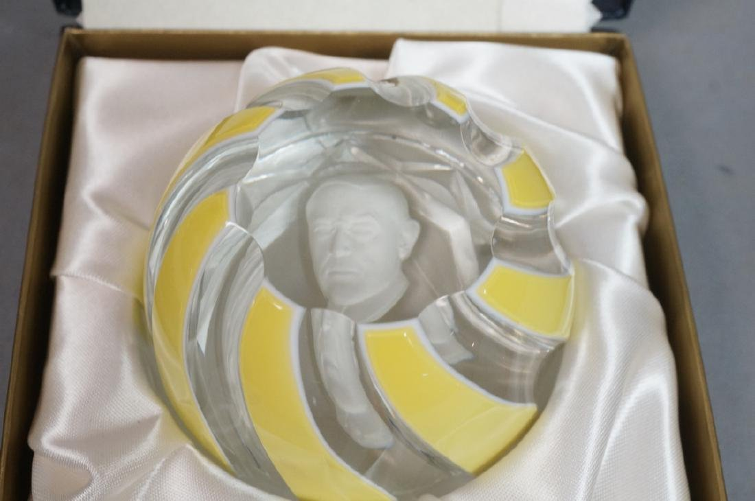2 Sulphide Portrait Crystal Paper Weights BACCARA - 5