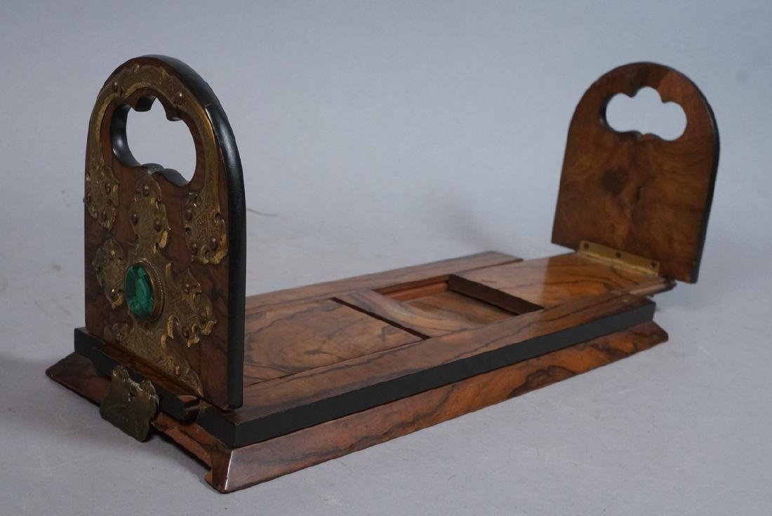 TIFFANY REED & CO. Burled wood book ends. Applied - 2