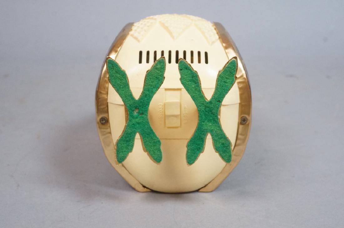 Vintage Figural Owl Transistor Radio. Molded plas - 9
