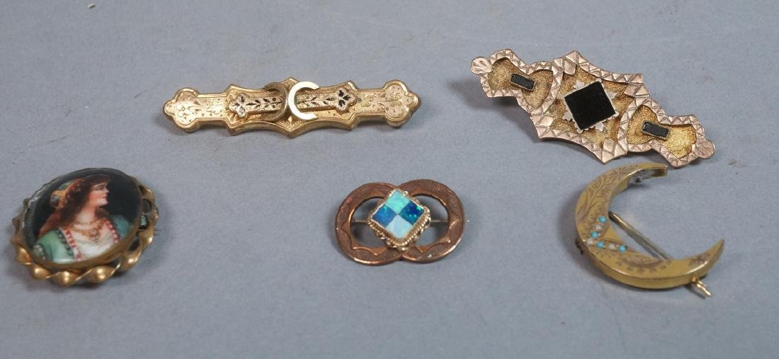5pc Victorian Jewelry Lot Brooches & Pins. 1 cres