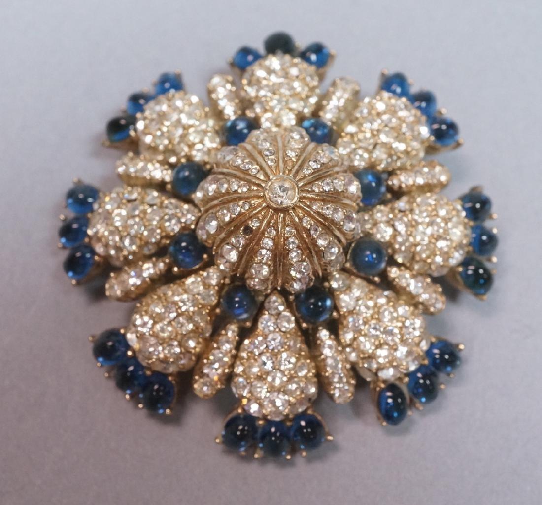 CINER Fabulous Rhinestone Costume Jewelry Pin. Bl