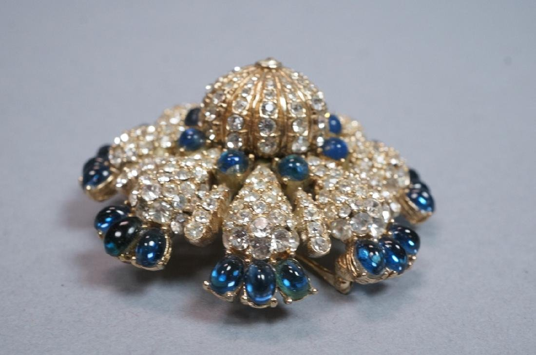 CINER Fabulous Rhinestone Costume Jewelry Pin. Bl - 4