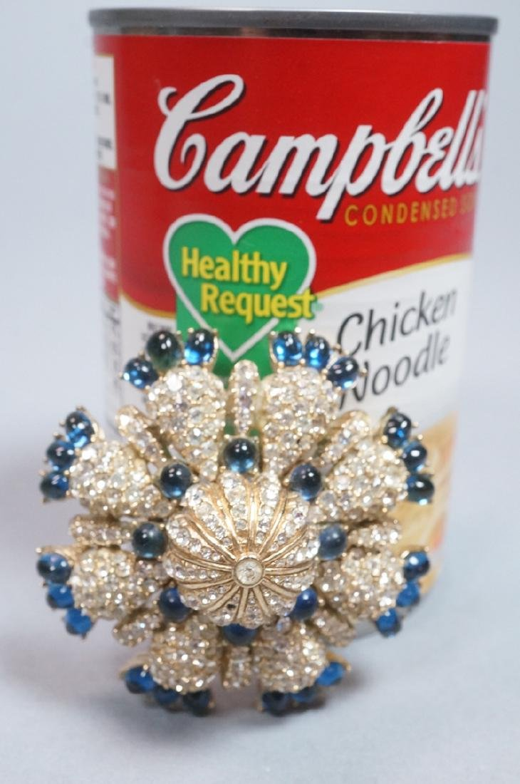 CINER Fabulous Rhinestone Costume Jewelry Pin. Bl - 5