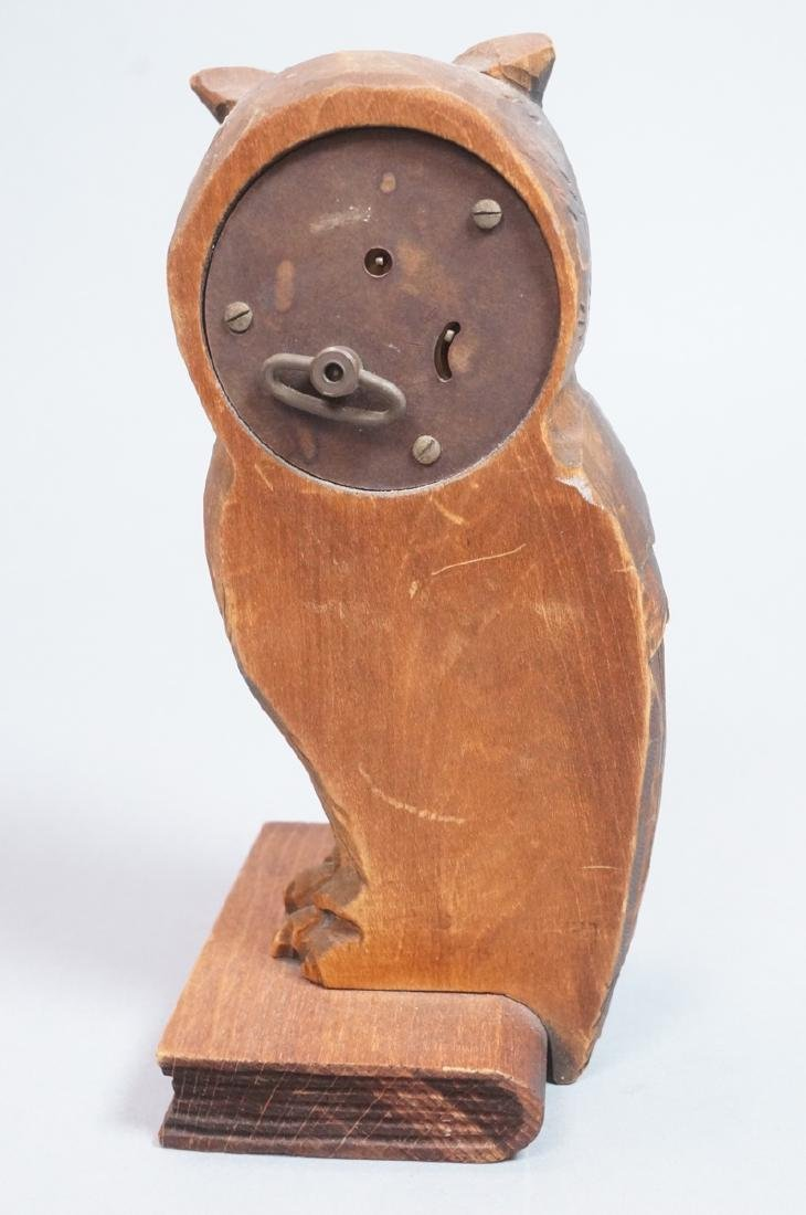 Vintage Figural Carved Wood Owl Clock. Eyes are t - 2