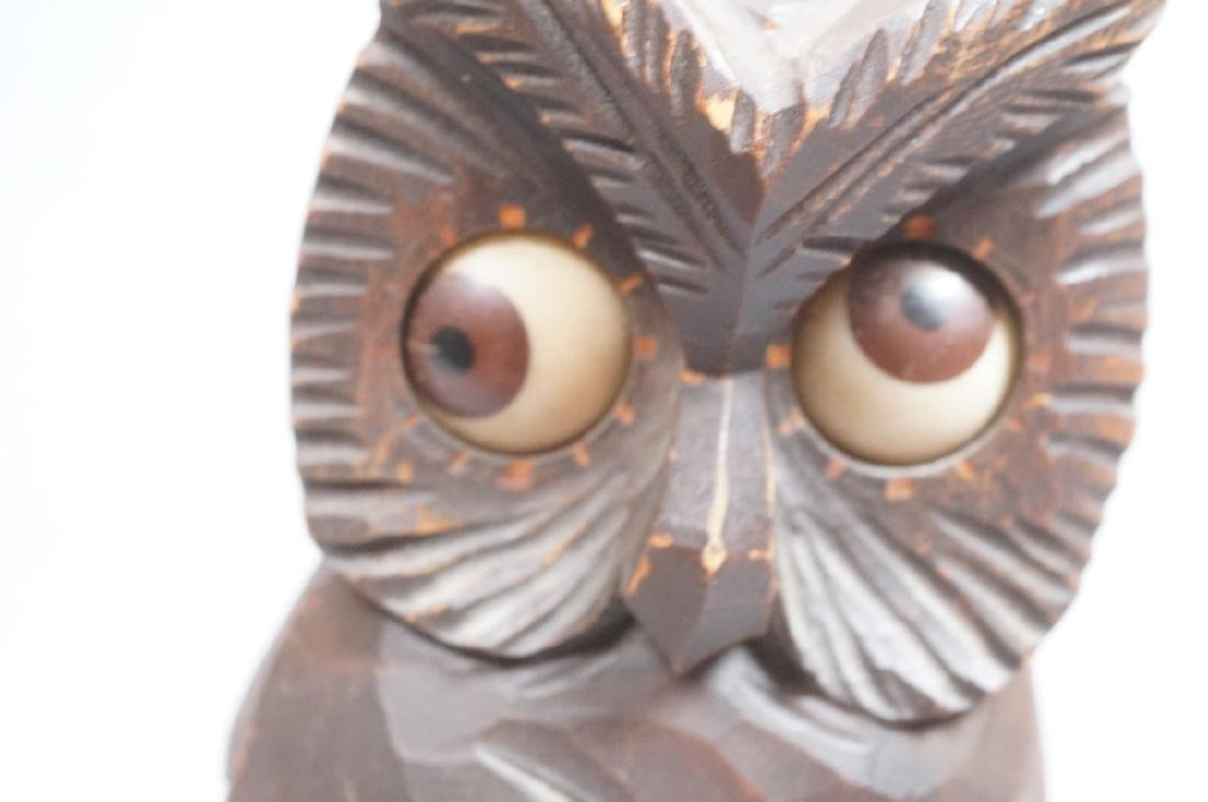 Vintage Figural Carved Wood Owl Clock. Eyes are t - 4
