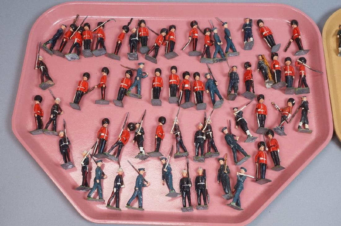 116 BRITAINS Toy Lead Soldiers. Painted toy soldi - 2