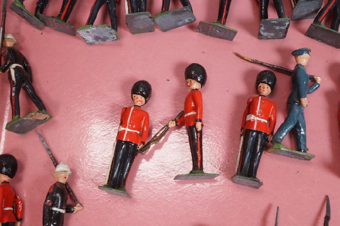 116 BRITAINS Toy Lead Soldiers. Painted toy soldi - 4