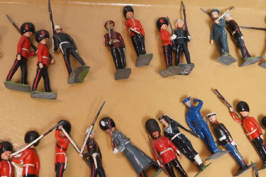 116 BRITAINS Toy Lead Soldiers. Painted toy soldi - 7