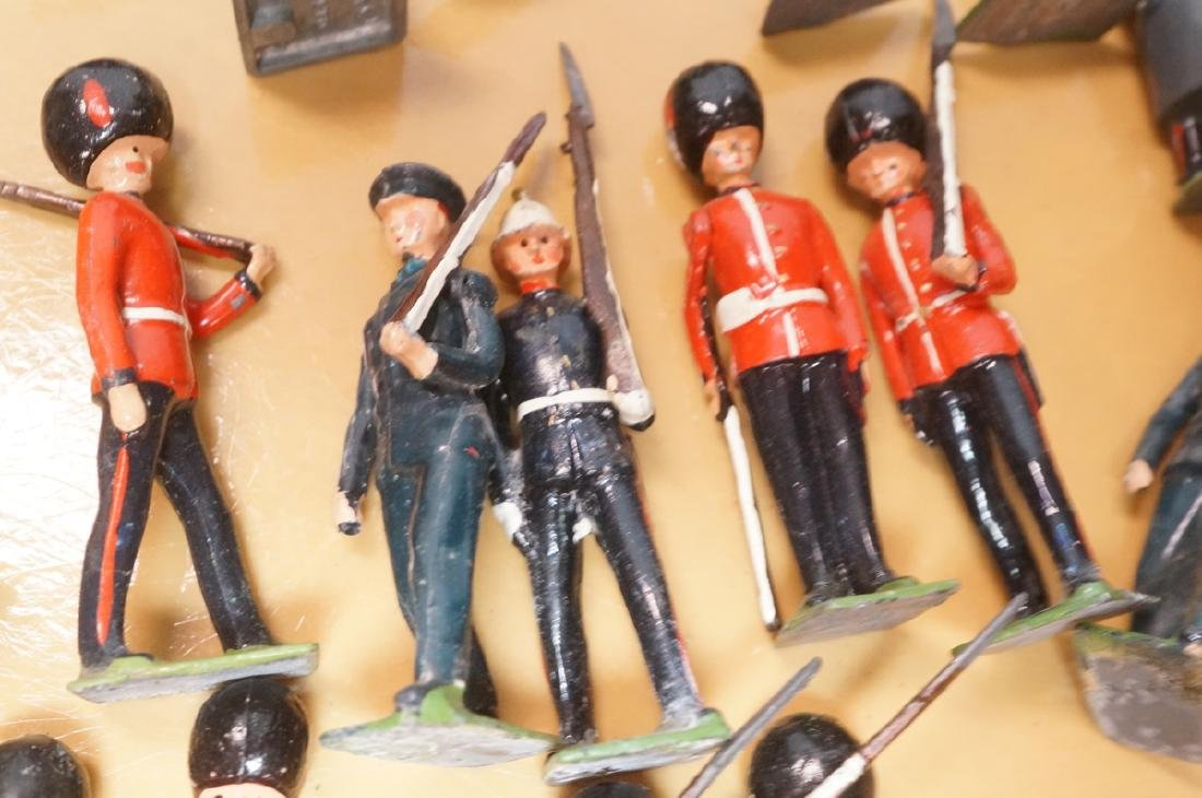 116 BRITAINS Toy Lead Soldiers. Painted toy soldi - 8
