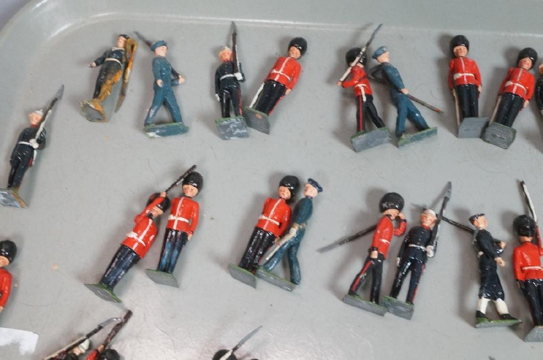 128 BRITAINS Toy Soldiers Includes 15 Mounted on - 8