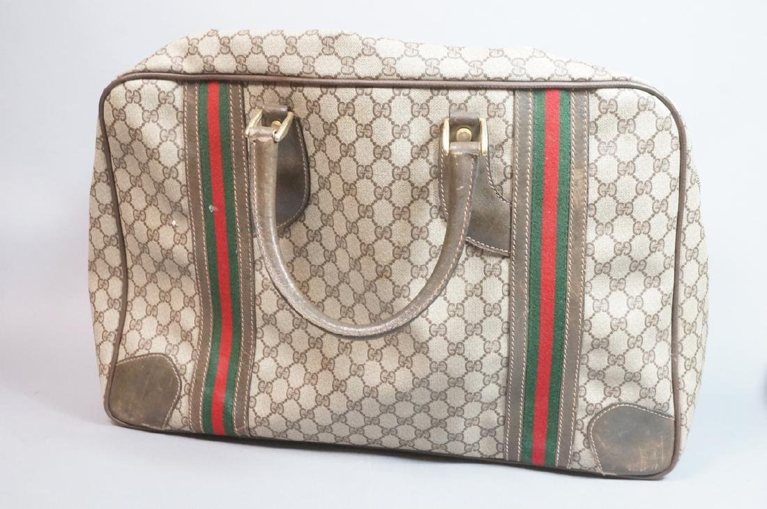 GUCCI Logo Large Hand Bag with Open Pocket. Green