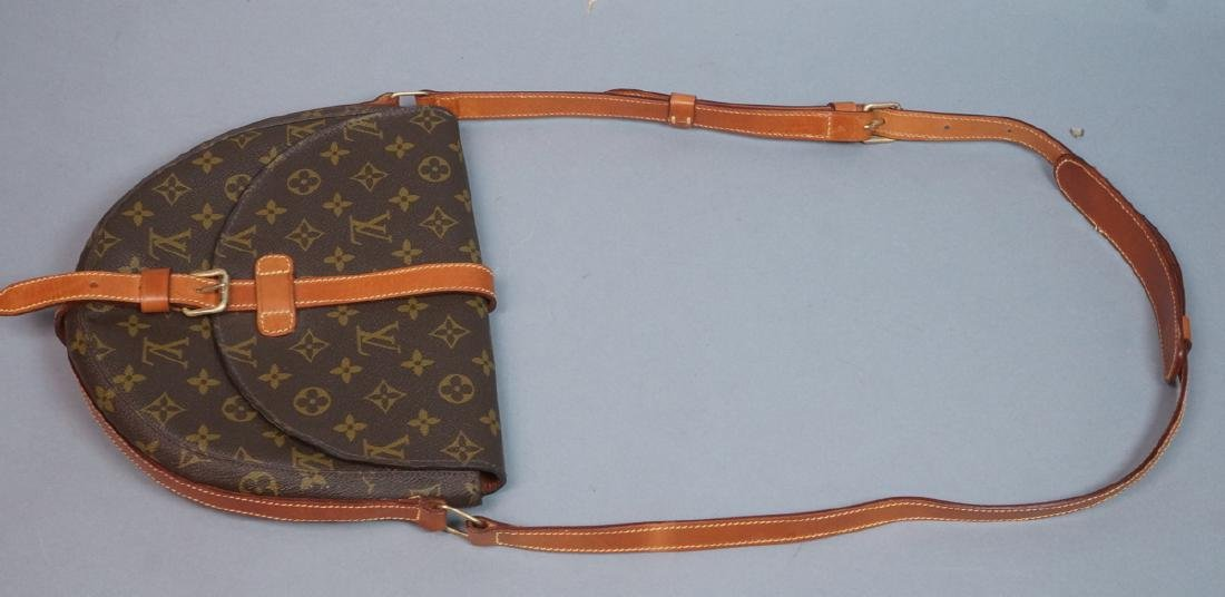 LOUIS VUITTON Logo Purse Cross Body Saddle Bag. L