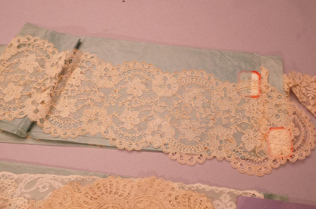 Collection Antique Lace. 1). 4 fine lace collars. - 10
