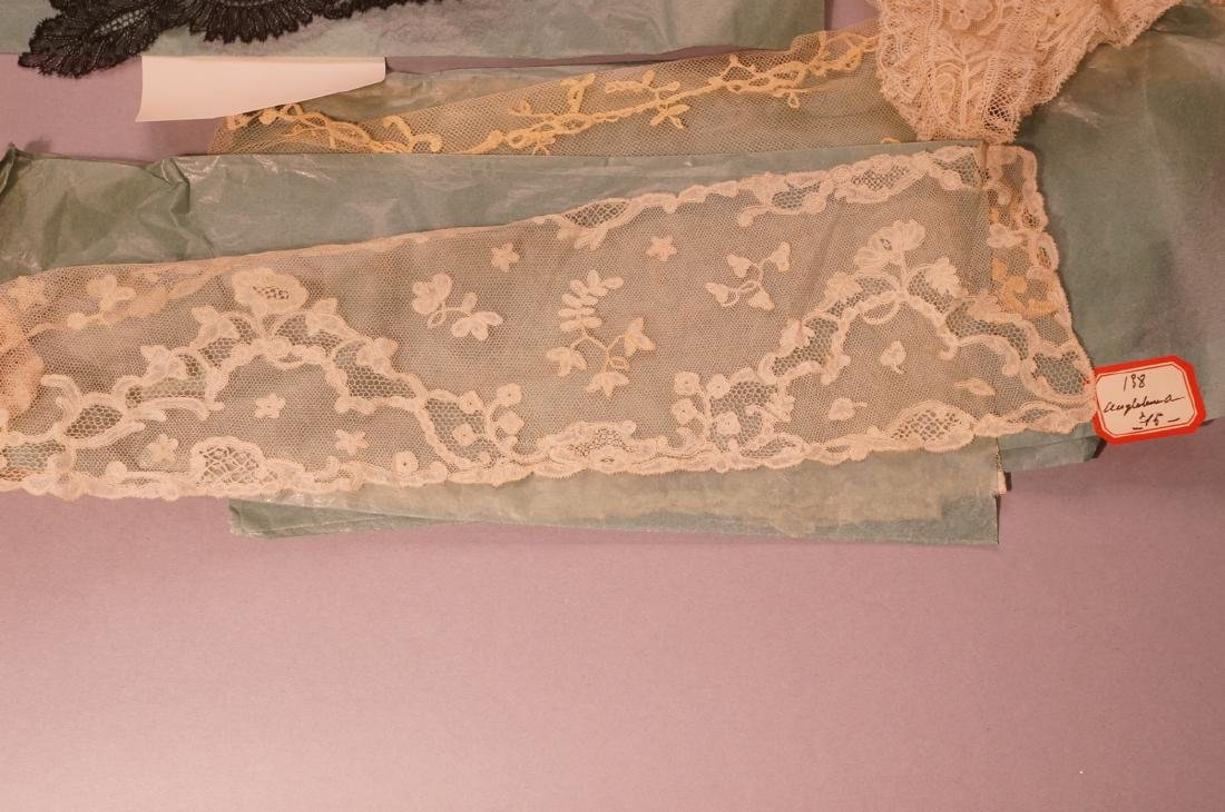 Collection Antique Lace. 1). 4 fine lace collars. - 3