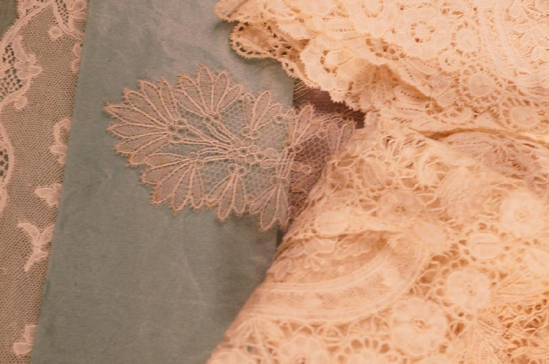 Collection Antique Lace. 1). 4 fine lace collars. - 8