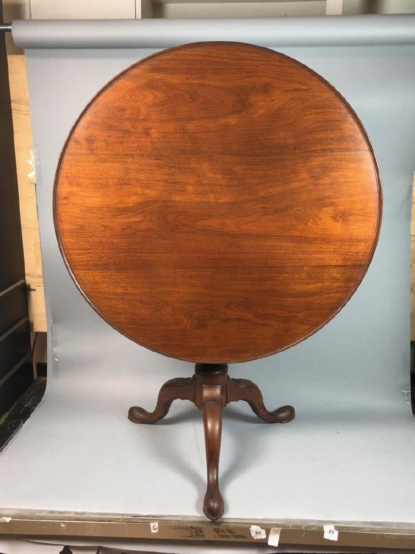 Antique Tilt Top Table with Bird cage.  Small rim - 5