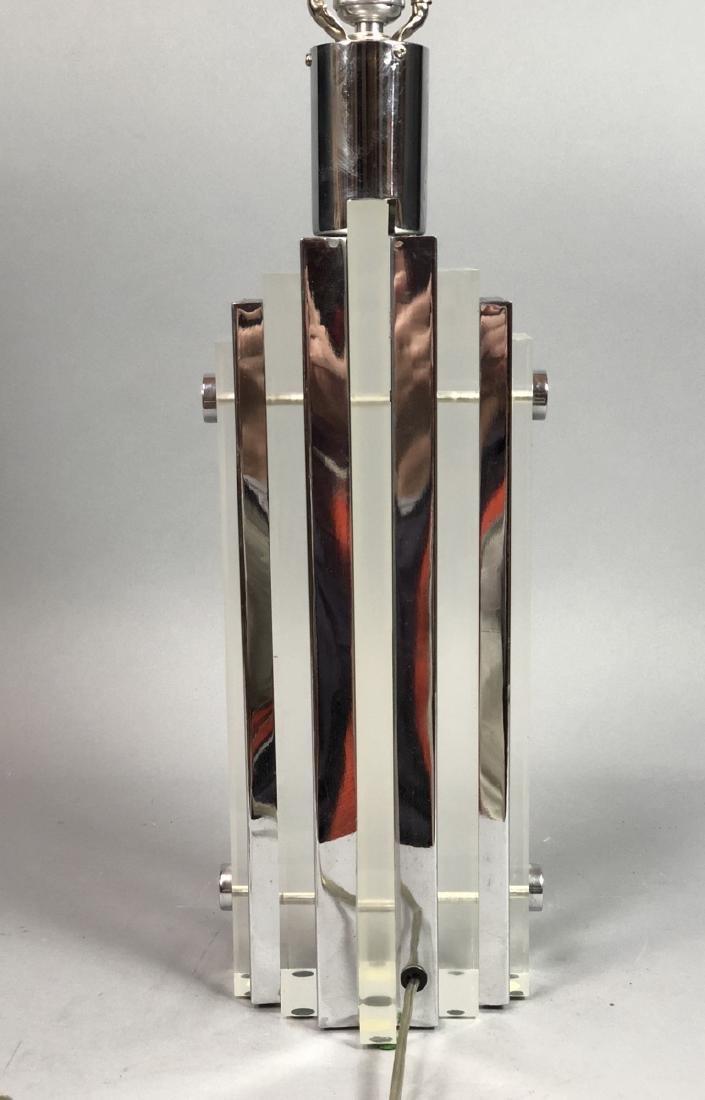 Chrome & Lucite 70s Modern Table Lamp. Alternatin