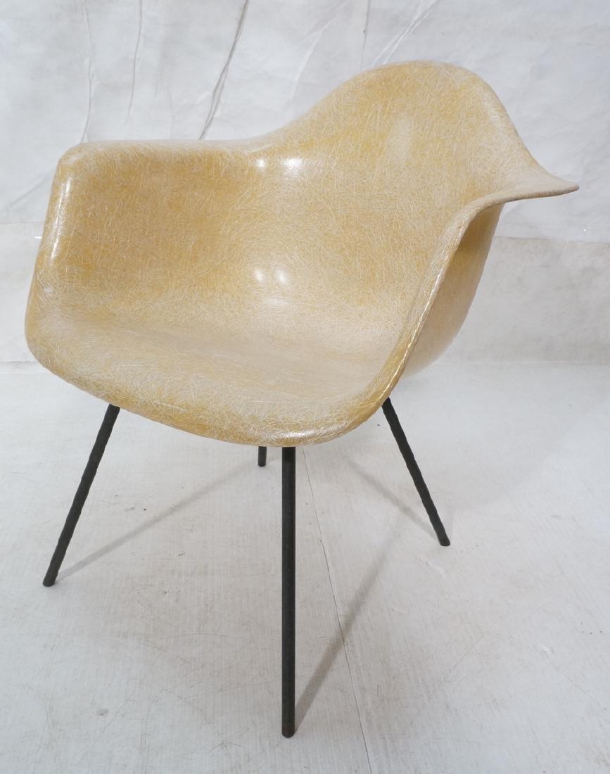 CHARLES EAMES Shell Chair for HERMAN MILLER. Mode