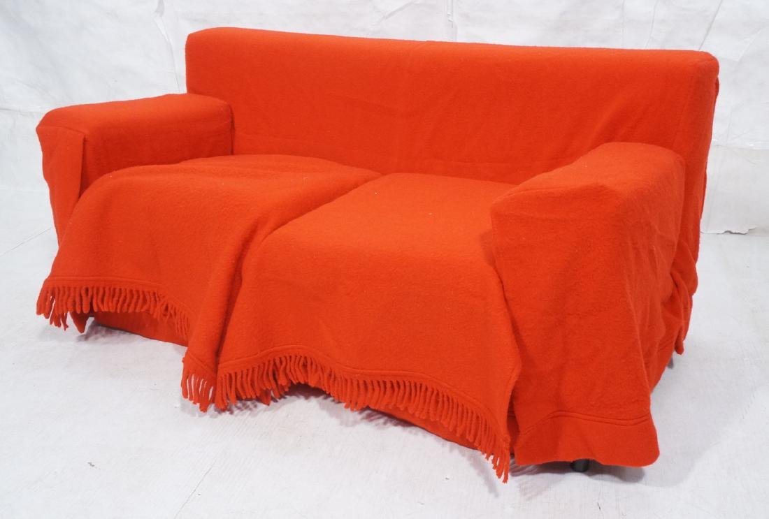 Gianfranco FERRE Gli Abiti 1984 Red Love Seat. Co