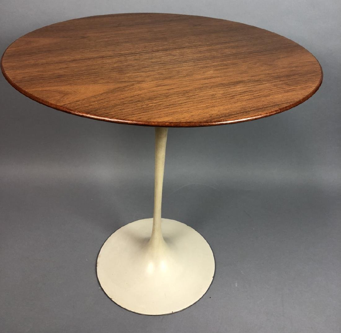KNOLL by EERO SAARINEN Walnut Tulip Side Table. R