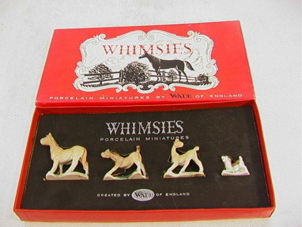 1004: Wade England Whimsies Horses and Dog in Box.  Set