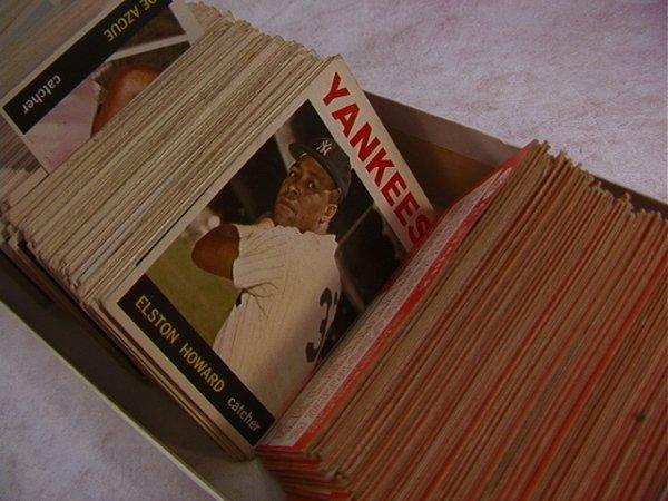 1077: Complete Set 1964 Topps Baseball Cards. 1-587 Inc - 3