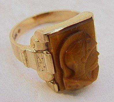 106: 10K Gold Carved Tiger Eye Cameo Mans Ring.  Size 1