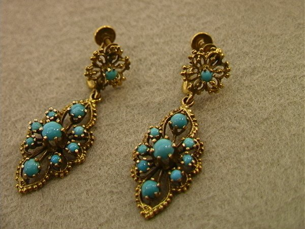 122: Pair 14K Gold Earrings With Turquoise.  Dangle ear