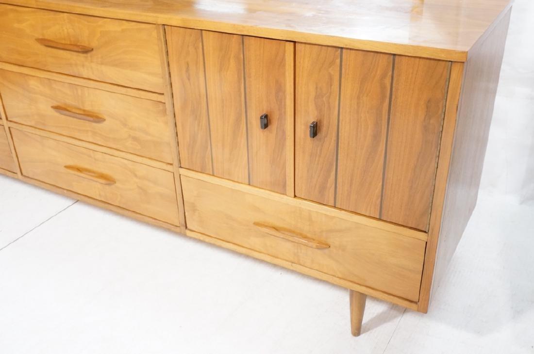 3pc Mid Century Walnut Bedroom Dressers & Mirror. - 6
