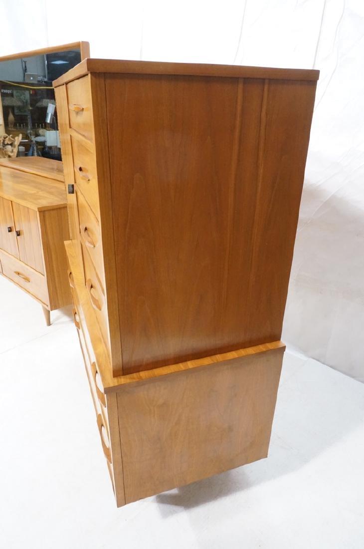 3pc Mid Century Walnut Bedroom Dressers & Mirror. - 9