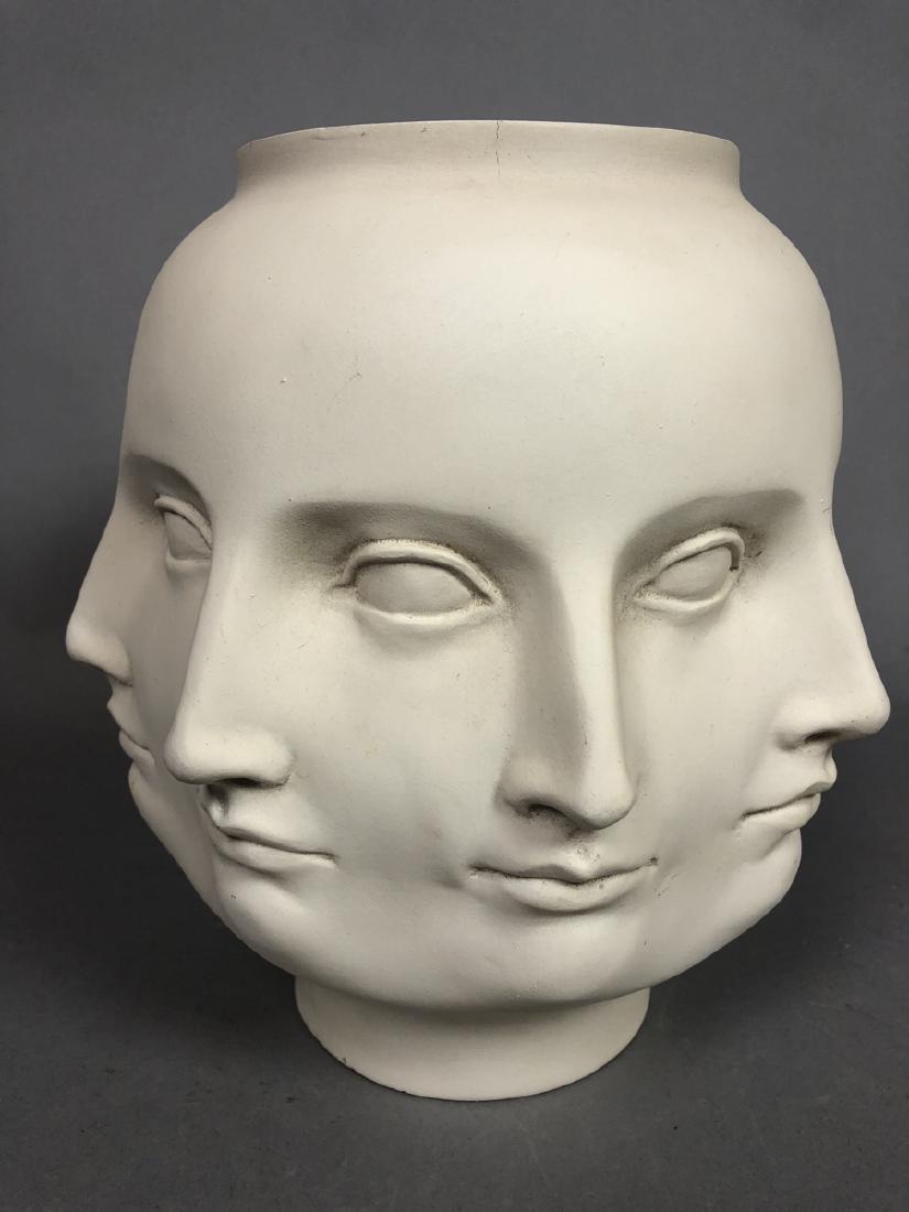 Fornasetti style Multiple Face Vase. White. Marke - 2