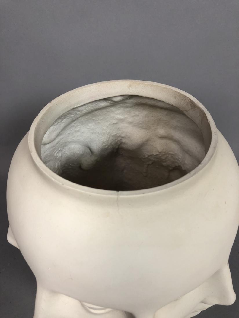 Fornasetti style Multiple Face Vase. White. Marke - 3