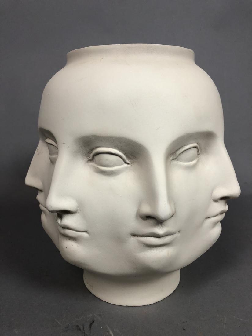 Fornasetti style Multiple Face Vase. White. Marke - 4