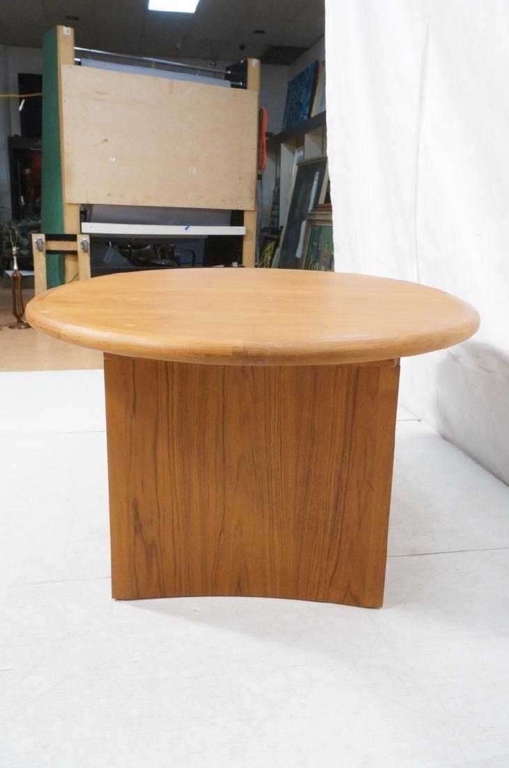 Danish Modern Teak Oval Dining Table Banded Trim. - 4