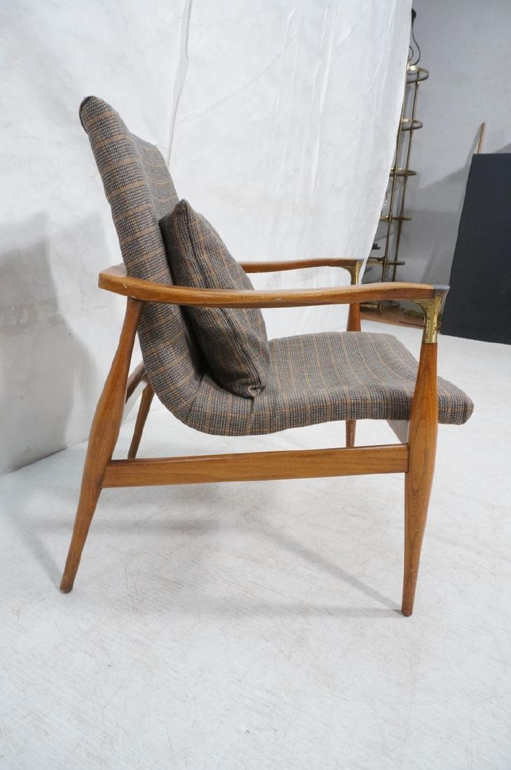 Mid Century Modern Lounge Chair. Stylized arms & - 3