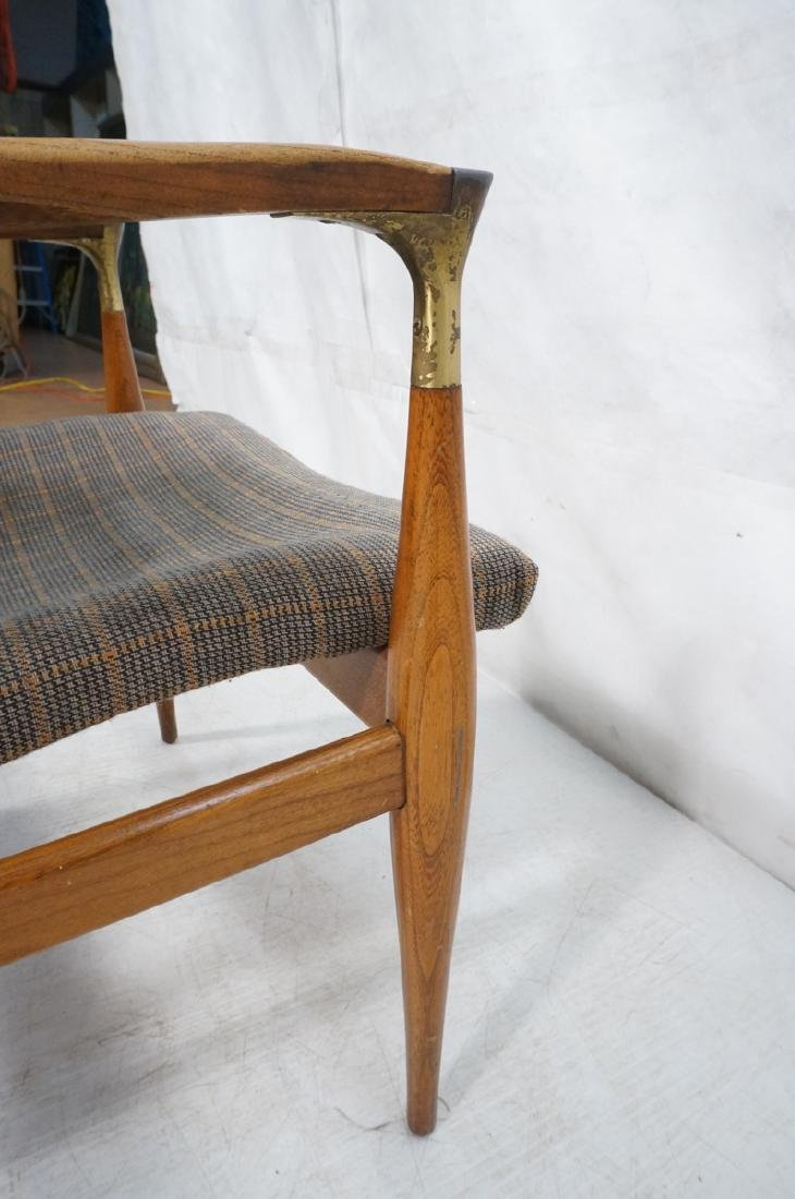 Mid Century Modern Lounge Chair. Stylized arms & - 8