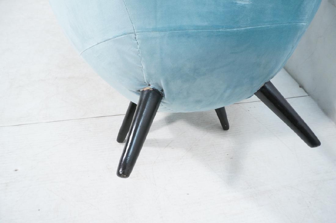 Pr Modernist Blue Velvet Wing Lounge Chairs. Styl - 8