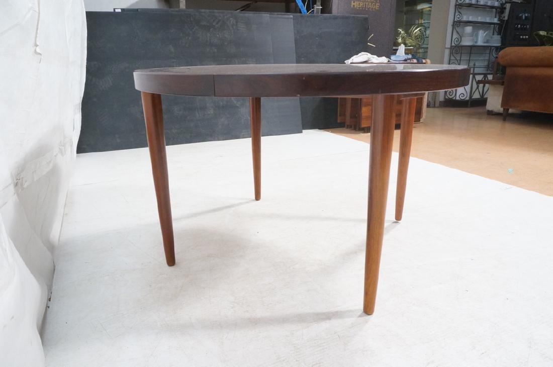 Round Rosewood Modernist Dining Table. Tapered le - 4