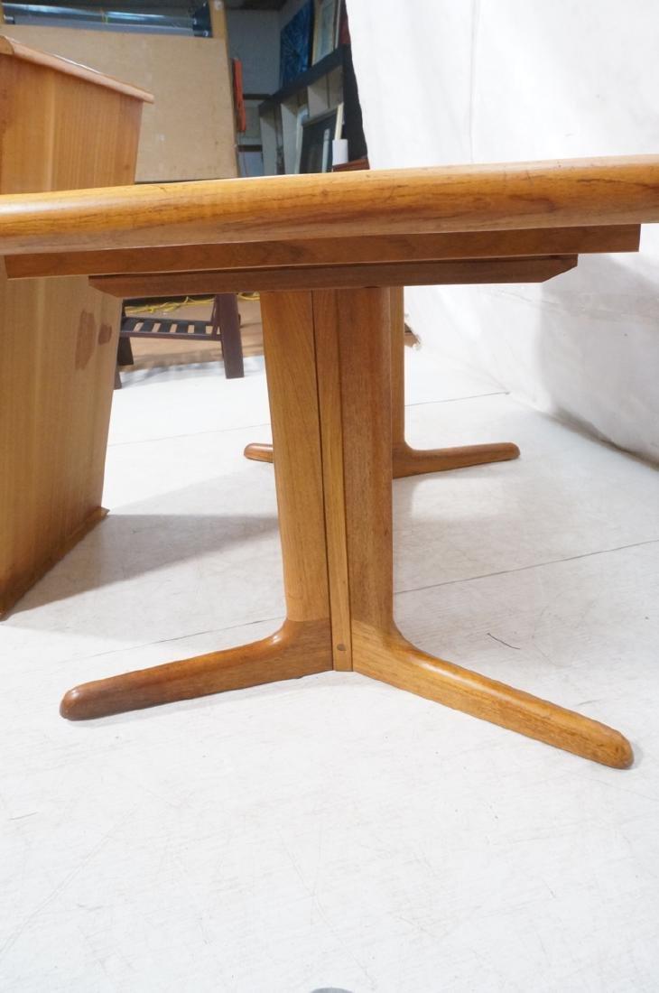 SKOBVBY Danish Modern Teak Bow Side Dining Table. - 10