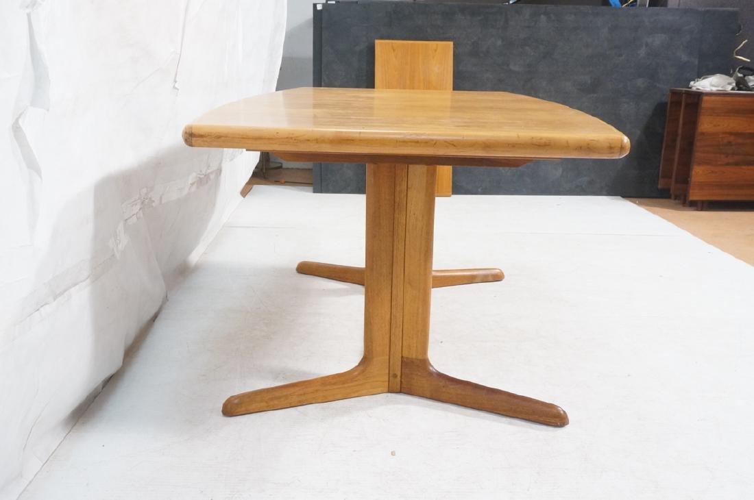 SKOBVBY Danish Modern Teak Bow Side Dining Table. - 3