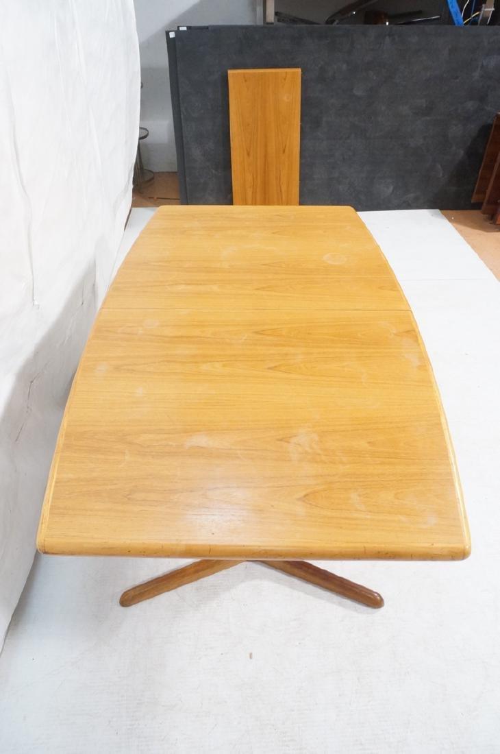 SKOBVBY Danish Modern Teak Bow Side Dining Table. - 4