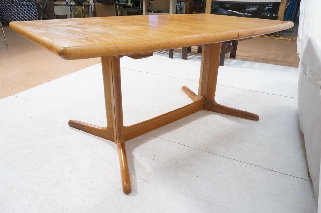 SKOBVBY Danish Modern Teak Bow Side Dining Table. - 6